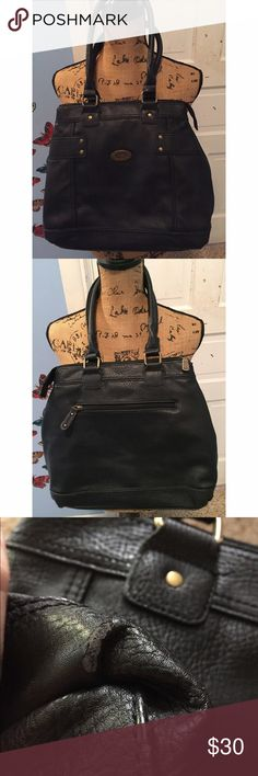 BOC Born Concepts Black Purse Measurements - 14in across / 12 1/2in from top to bottom. Truly a gorgeous purse from BOC. Does have a little wear on the bottom. Still in great condition! 💕 Born Bags