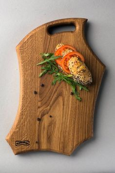 Description Welcome to Black and Woods - High Quality Products for Interior Design. ***ABOUT THIS ITEM*** This is a hand crafted wood cutting board made from oak. The coating is executed from tung oil It is finished with food safe natural Dimensions - 270*400*35mm Weight - 0,9kg Style - Wooden Chopping Boards, Wood Cutting Boards, Wooden Plates, Wooden Art, Wood Projects, Woodworking Projects, Wood Design, Wood Crafts, Tung Oil