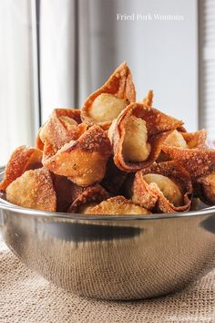 The best fried wontons is made with pork, so unless for any reason you cannot eat pork, try making this fried pork wontons before venturing into other kind of fried wontons in the future. Authentic Mexican Recipes, Easy Chinese Recipes, Asian Recipes, Mexican Food Recipes, Asian Foods, Pork Wonton Recipe, Wonton Recipes, Pork Recipes, Gourmet Recipes
