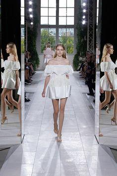 Alexander going feminine. Balenciaga Spring 2014 Ready-to-Wear Collection Slideshow on Style.com