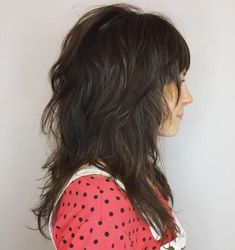 60 Lovely Long Shag Haircuts for Effortless Stylish Looks, Frisuren, Mid-Length Layered Cut With Bangs. Medium Textured Hair, Layered Thick Hair, Layered Cuts, Medium Shag Haircuts, Shag Hairstyles, Haircuts With Bangs, Modern Shag Haircut, Long Shag Haircut, Mullet Haircut