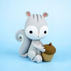 Kawaii Cute Squirrel with Acorn fondant / polymer clay tutorial Polymer Clay Figures, Polymer Clay Animals, Fondant Figures, Polymer Clay Creations, Polymer Clay Projects, Cake Topper Tutorial, Fondant Tutorial, Fimo Tutorial, Fondant Animals Tutorial