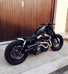 harley davidson forty eight custom Harley Davidson Sportster, Sportster 48, Harley Davidson Tattoos, Motos Harley Davidson, Custom Sportster, Vintage Motorcycles, Custom Motorcycles, Custom Bikes, Custom Choppers