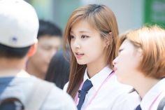 ASK K-POP [ASKKPOP] Tzuyu's controversy affected the votes of 1,340,000 young voters in Taiwan?