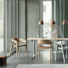 The Muuto Table from Finnish label Muuto was designed by Staffan Holm and is firmly in the tradition of modern Scandinavian design.As with all Muuto produ Dining Room Table, Dining Chairs, Corner Reading Nooks, Armchairs For Sale, Design Tisch, Oak Color, Upholstered Chairs, Side Chairs, Living Spaces