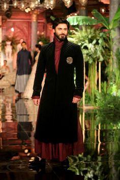 #ManishMalhotra #India #Couture Week 2016 - #Indian #India #Wedding #CoutureWear #Fashion #Designer #IndianDesigner #Style #Indianwear #WeddingWear #Menswear #FawadKhan