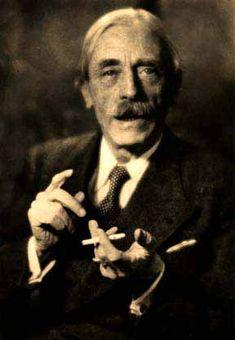 Ambroise-Paul-Toussaint-Jules Valéry fue un escritor, poeta, ensayista y filósofo francés. Como poeta es el principal representante de la llamada poesía pura
