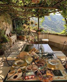 Halloween Veranda, Budget Patio, Belle Villa, Cozy Place, Northern Italy, Travel Aesthetic, Dream Vacations, Future House, Garden Design