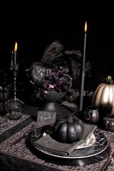 A Halloween tablescape by for Bright. A Halloween table for adults. Retro Halloween, Spooky Halloween, Halloween Dinner, Holidays Halloween, Halloween Themes, Halloween Crafts, Dollar Store Halloween, Pirate Halloween Party, Halloween 2015