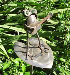 Glass Yard Art | Frog Playing Guitar On Leaf - Garden Sculpture