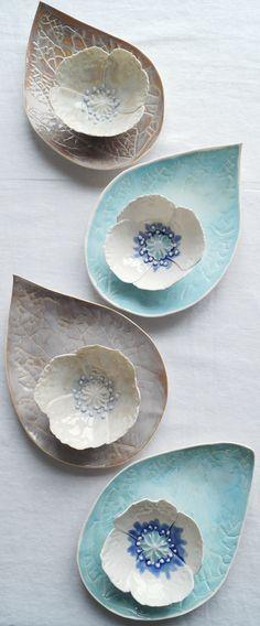 Porcelain poppy bowl and leaf platter sets by Vani. - Porcelain poppy bowl and leaf platter sets by Vani. Slab Pottery, Pottery Bowls, Ceramic Pottery, Pottery Art, Thrown Pottery, Pottery Wheel, Porcelain Ceramics, Ceramic Plates, Ceramic Art