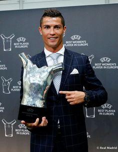 CR7 galardonado como Mejor Jugador de Eurooa 2015-2016