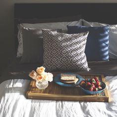 Breakfast in bed. Breakfast In Bed, Bed & Bath, New Homes, Throw Pillows, Bedroom, Creative, Instagram Posts, Furniture