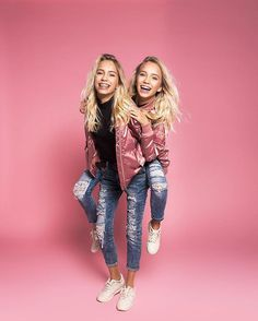 Lisa and Lena (beautiful twins) Lisa E Lena, Pretty People, Beautiful People, Famous Twins, Mein Style, Best Friend Pictures, Poses, Best Friend Goals, Tumblr Girls