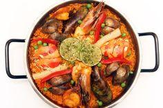 ¡ #Paella para todos ! Aprende sobre las variaciones de este famoso plato español: http://www.sal.pr/2013/03/07/paella-para-todos/