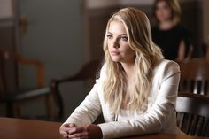 """Pretty Little Liars """"Of Late I Think of Rosewood"""" S6EP11"""