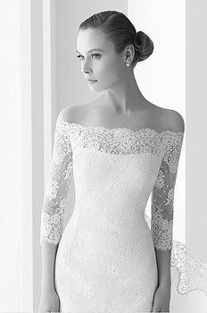 If you love the strapless look but aren't confident enough (or are getting married in the cooler months), this is the perfect solution - so elegant xxx