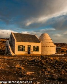 Here's a real heritage treasure. Stay in one of the last remaining corbelled houses in the Northern Cape. Cape Dutch, Old Houses, South Africa, Holland, Landscapes, African, House Design, Cabin, Small Homes