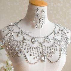 Wholesale Jewelry a fashionable example of a style pinsight from a chicc minded pinner - Shoulder Jewelry, Shoulder Necklace, Bridal Accessories, Bridal Jewelry, Jewelry Accessories, Jewelry Sets, Fine Jewelry, Crystal Choker, Crystal Rhinestone