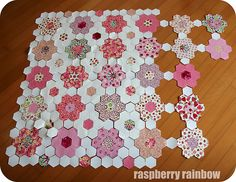 Raspberry Rainbow: My (pink hexie) Creative Space Hexagon Quilt Pattern, Hexagon Patchwork, Easy Quilt Patterns, Patchwork Tutorial, Patchwork Quilting, Easy Quilts, Mini Quilts, Vintage Sewing Machines, Tatting Patterns