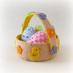 Mini Felt Easter Basket