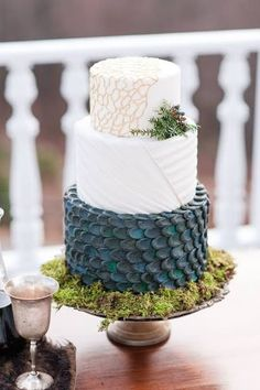 Wedding Themes This 'Game Of Thrones' Wedding Shoot Even Had A Real-Life Dire Wolf Geek Wedding, Wedding Games, Wedding Shoot, Wedding Day, Wedding Wishes, Wedding Tips, Wedding Ceremony, Cool Wedding Cakes, Wedding Cake Toppers