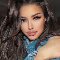 Beautiful Long Hair, Gorgeous Women, Makeup Blog, Hair Makeup, Brunette Beauty, Hair Beauty, Model Face, Sporty Girls, Stunning Eyes