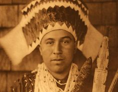 American Indians : Tolowa Dancing Headdress.