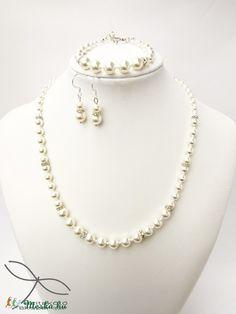 Meska - Egyszerű gyöngysor esküvőre Swarovski gyöngyből rondellákkal Edina09 kézművestől Pearl Necklace, Pearls, Jewelry, Fashion, Moda, String Of Pearls, Bijoux, Jewlery