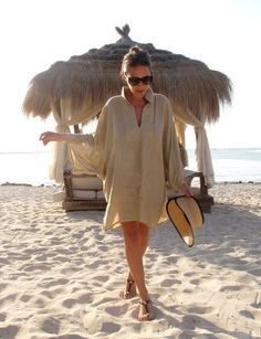 Latest 2018 Beach Apparel for Upcoming Summer Looks – Designers Outfits Collec. Beach Outfits Women Vacation, Summer Outfits, Summer Dresses, Beach Attire For Women, Look Boho, Holiday Fashion, Holiday Style, Summer Looks, Spring Summer Fashion