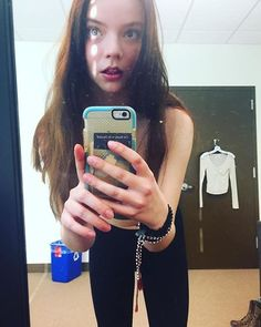 Anya Joy, Anya Taylor Joy, Actrices Hollywood, Female Character Design, Just Girl Things, Celebs, Celebrities, Sweet Girls, Me As A Girlfriend