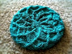 Intwined Beret (Knitted)
