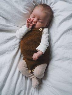 Little brother Kleiner Bruder Strampler Little brother romper - Girl Fashion Style, Baby Boy Fashion, Fashion Kids, Baby Boy Suit, Baby Girl Pants, Knitted Baby Outfits, Baby Boy Outfits, Knitting For Kids, Baby Knitting Patterns