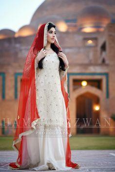 Desi bridals Beach Bridal Dresses, Bridal Mehndi Dresses, Nikkah Dress, Shadi Dresses, Wedding Dresses For Girls, Simple Pakistani Dresses, Pakistani Wedding Outfits, Pakistani Wedding Dresses, Bride Dress Simple