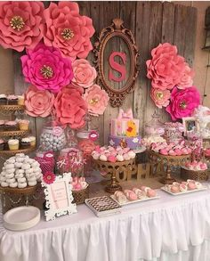 Love these paper flowers at a floral baby shower party! See more party planning… Fiesta Shower, Shower Party, Baby Shower Parties, Baby Shower Themes, Baby Shower Decorations, Birthday Decorations, Bridal Shower, Decoration Party, Shower Ideas