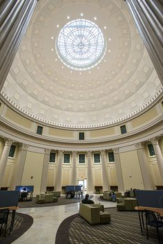 MIT has reopened the skylight in the University's iconic Great Dome. I took my GREs in this building many years ago. Classical Architecture, Beautiful Architecture, Landscape Architecture, Architecture Design, Classic Interior, Modern Interior Design, Jacuzzi, Lebbeus Woods, Massachusetts Institute Of Technology