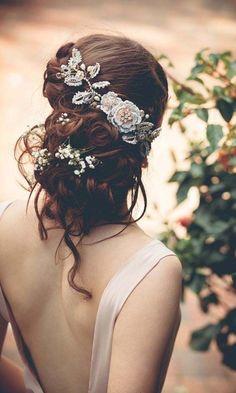 Floral Fancy Braut Kopfschmuck Haarschmuck Designs, Vintage-Braut-Kopfschmuck-für-Hochsteckfrisur-Hochzeit-Frisuren , Hochzeit Frisuren Messy Wedding Updo, Romantic Bridal Updos, Hairstyle Wedding, Blush Bridal, Romantic Weddings, Rose Hair, Mod Wedding, Wedding Ideas, Elegant Wedding