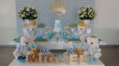 Um blog sogre festas personalizadas e criativas Kylie Baby Shower, Baby Shower Deco, Shower Bebe, Baby Boy Shower, Baby Boy Or Girl, Mom And Baby, Ideas Bautizo, Picnic Theme, Baby Dedication