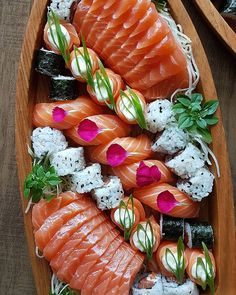 The Best Sushi in Los Angeles Sushi Recipes, Asian Recipes, Healthy Recipes, Japanese Food Sushi, Sleepover Food, Party Food Platters, Fancy Dinner Recipes, Brunch, Best Sushi