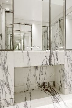 EATON PLACE bathroom