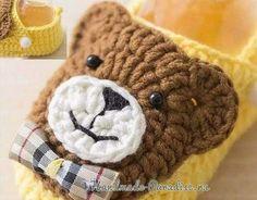 Chausson pour bébé , orné d'un ourson , avec sa grille gratuite ! Baby Knitting Patterns, Crochet Teddy Bear Pattern, Baby Patterns, Crochet Baby, Knit Crochet, Crochet Boots, Crochet Slippers, Baby Shoes Pattern, Crochet Motifs