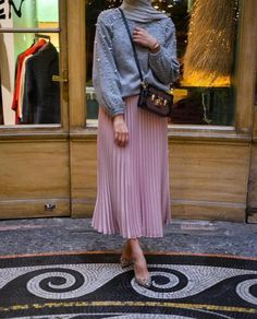 Pleated maxi skirts for woman – Just Trendy Girls: http://www.justtrendygirls.com/pleated-maxi-skirts-for-woman/
