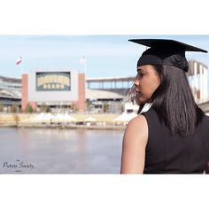 Baylor graduation shoot. (Via thepicturesociety on Instagram)