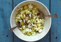 Zelleres-almás-diós-fetás saláta Feta, Potato Salad, Ale, Oatmeal, Potatoes, Vegetables, Breakfast, Ethnic Recipes, Dios
