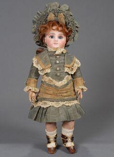 http://www.carmeldollshop.com/category/doll/frenchbebe/fbbd-443-g.jpg