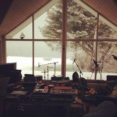 Αποτέλεσμα εικόνας για music studio with view