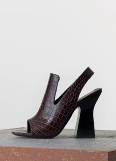 Graphic Sandal in Stamped Crocodile Calfskin - Spring / Summer Collection 2015 | CÉLINE