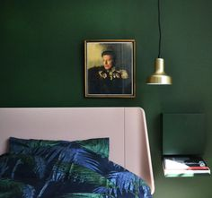 bedroom-decor-sovevaerelse-indretning-davidbowie-replacefaces-palmgrove-auping-essential