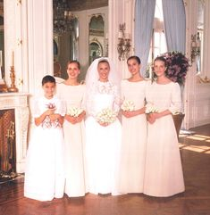 Beatie's wedding, with her sisters as bridesmaids Friends Come And Go, Fairytale Gown, Danielle Steel, I Got Married, Social Events, Famous Women, Bridesmaid Dresses, Bridesmaids, Designer Dresses