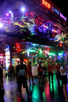 Phuket's scenic viewpoints are worth visiting for the chance to experience Phuket from up high. Here are some of the best places in Phuket for a birds-eye view. Thailand Nightlife, Phuket Thailand, Thailand Travel, Asia Travel, Nightlife Travel, Best Places In Bangkok, One Night In Bangkok, Khao Yai National Park, Patong Beach